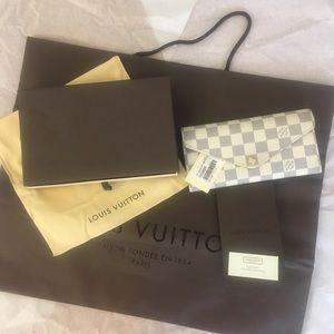 Authentic pre-owned Louis Vuitton Josephine wallet